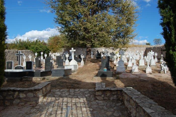 Un cimetière rural en Espagne