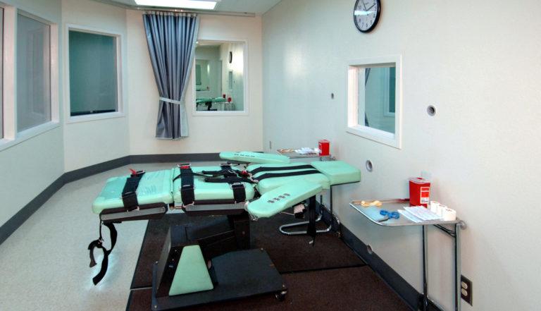 L'image montre une chambre d'injection léthale