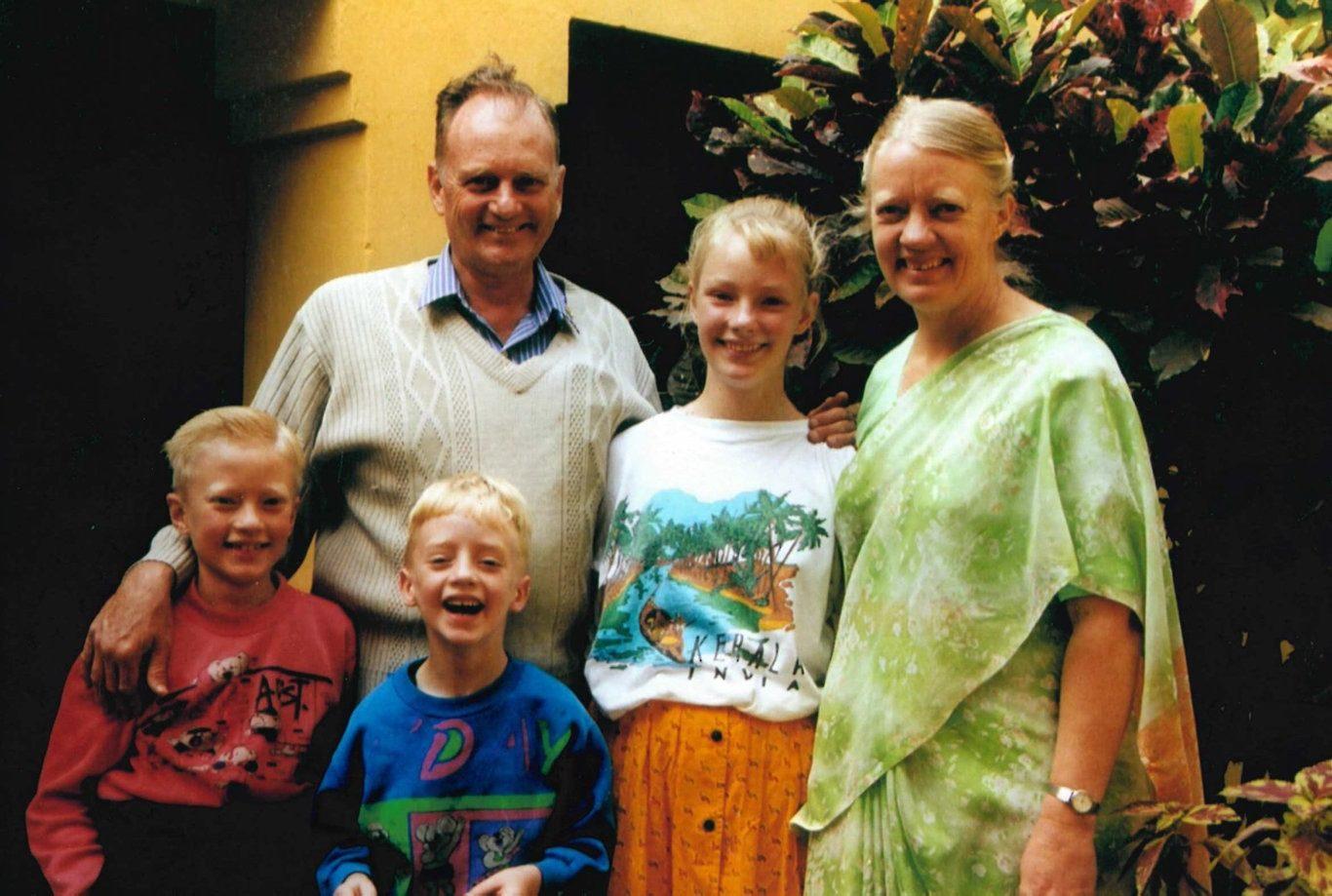 Graham et Gladys Staines avec leurs trois enfants