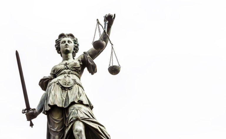 Alégorie de la justice avec l'épée et la balance