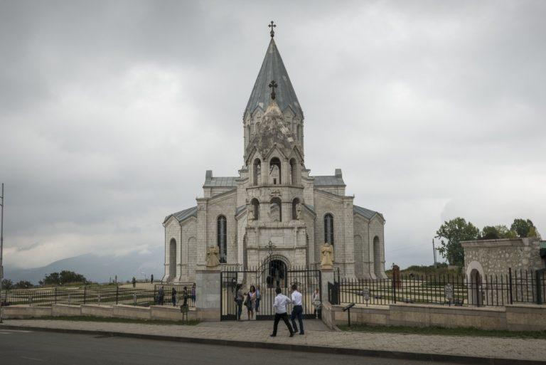 Église arménienne à Shushi dans le Haut-Karabakh