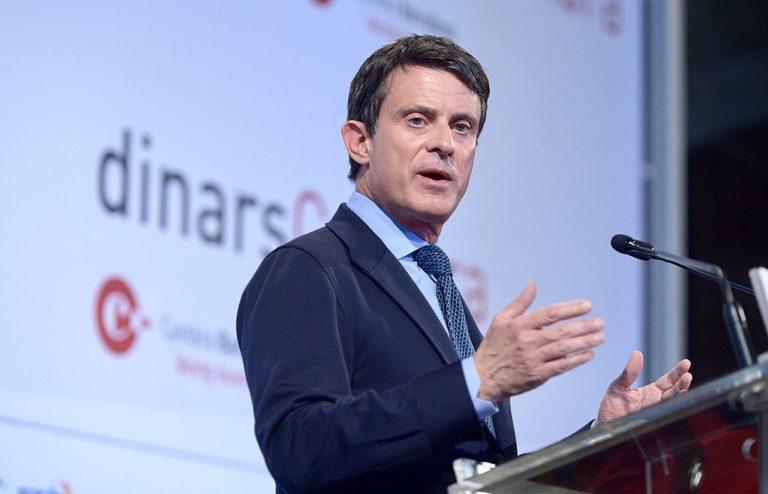 Manuel Valls pendant un discours à Barcelone en 2019