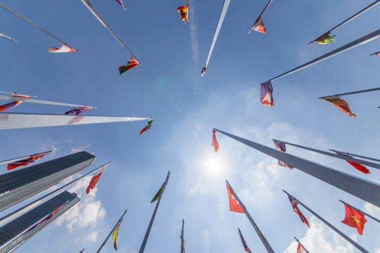 drapeaux siège ONU