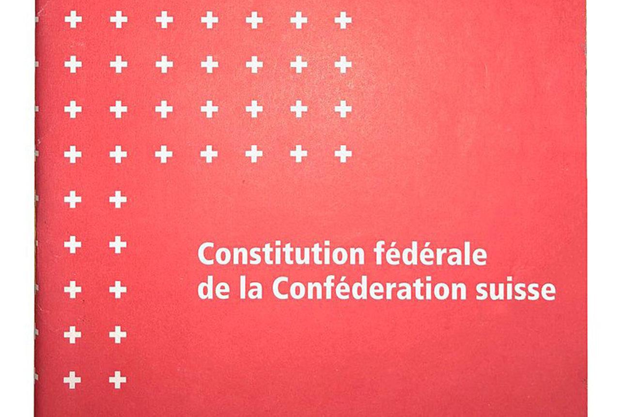 Couverture de la version francophone de la Constitution fédérale de 1999