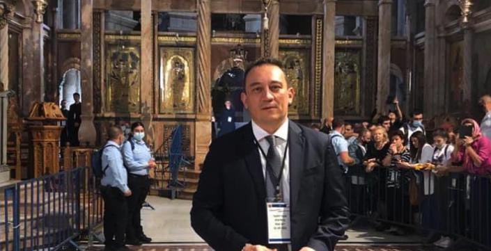 Konstantinos Vlasis, ministre grec délégué aux affaires étrangères dans l'église du Saint-Sépulcre à Jérusalem