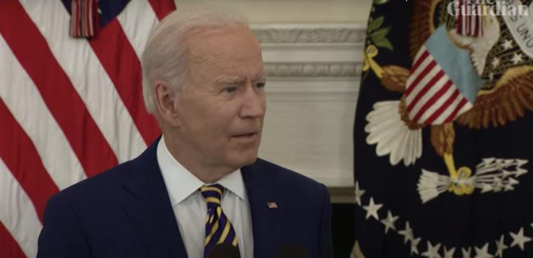 """Joe Biden interrogé par la presse au sujet de la décision des évêques catholiques : """"C'est une affaire privée"""""""