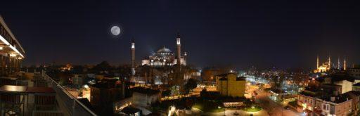 Istanbul éclairée de nuit