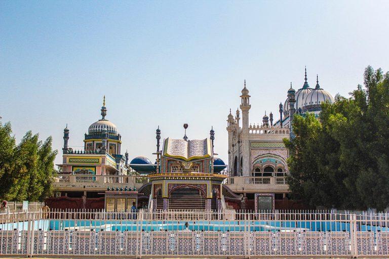 La mosquée de la bourgade de Bhong dans la province du Pendjab au Pakistan