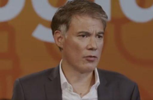 Olivier Faure durant un discours